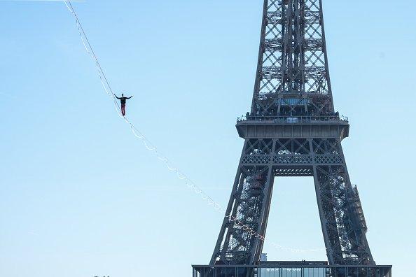 Eiffel Tower as an anchor