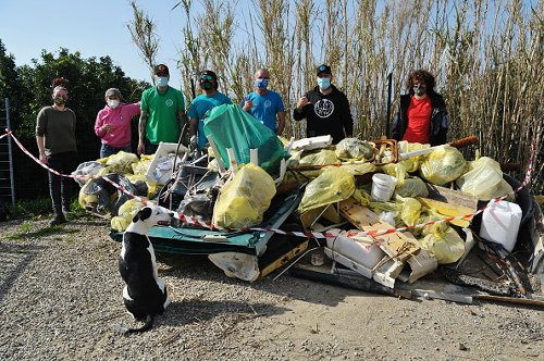 Beach cleanup in Livorno, Italy
