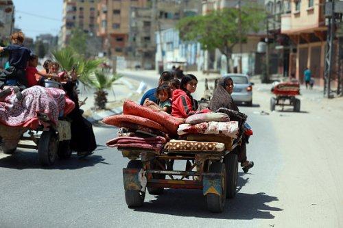 I palestinesi abbandonano le loro case