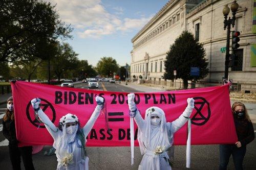 Protesting Biden's environmental response