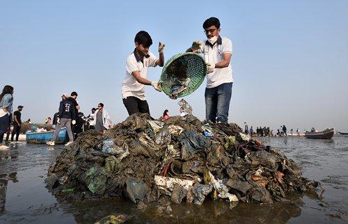 Beach cleanup in Mumbai