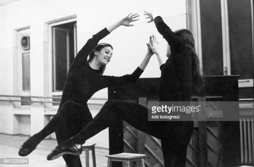 Carla Fracci durante un allenamento alla Scala