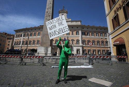 """Manifestazione degli """"Invisibili"""""""
