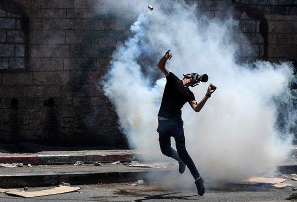 Un manifestante palestinese