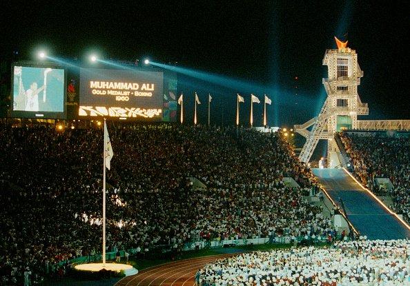 Ali lights 1996 Olympic flame