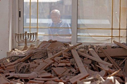 Le macerie do po un attacco missilistico a Sderot nella striscia di Gaza