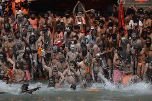 Rituale del bagno in Gange