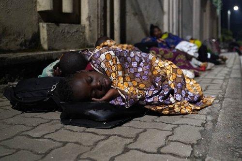 Evacuees Flee to Rwanda