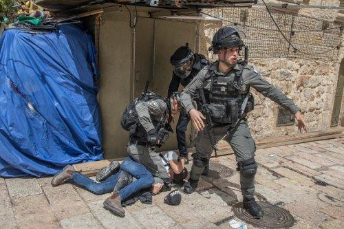 Palestinian Demonstrator Arrested by Israeli Police