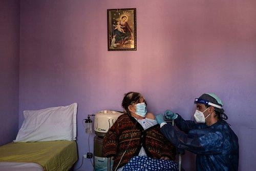 Campagna vaccinale porta a porta nei pressi di Cuneo