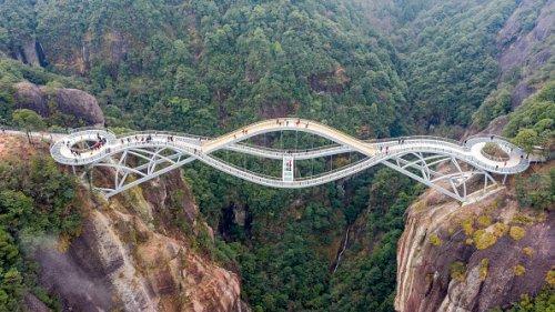 Ruyi Bridge in Taizhou, China