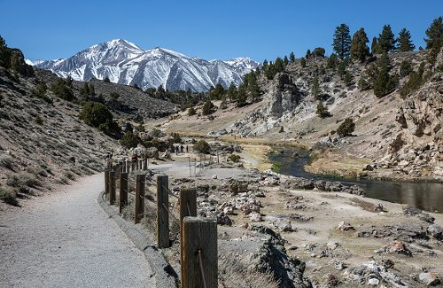 Sparse snow in Mammoth Lakes