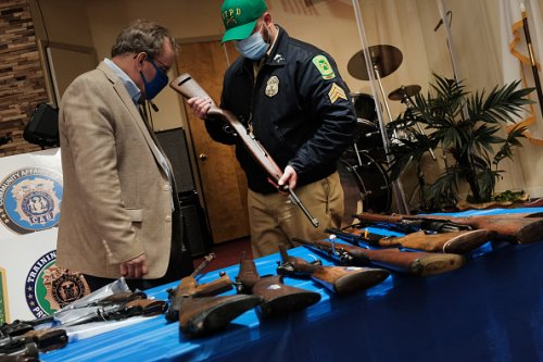 NYPD Offers iPads for Guns