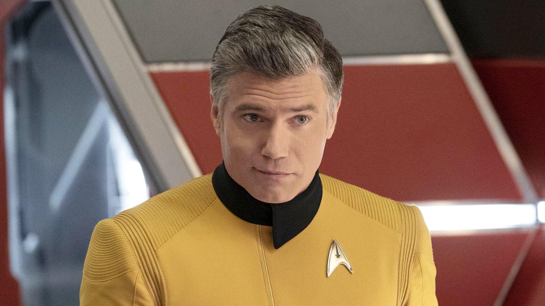 Star Trek's Anson Mount Attacks Guardians Of The Galaxy Director, Napoleon Complex?