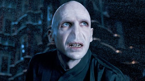 Voldemort Actor Ralph Fiennes Defends JK Rowling Against Cancel Culture