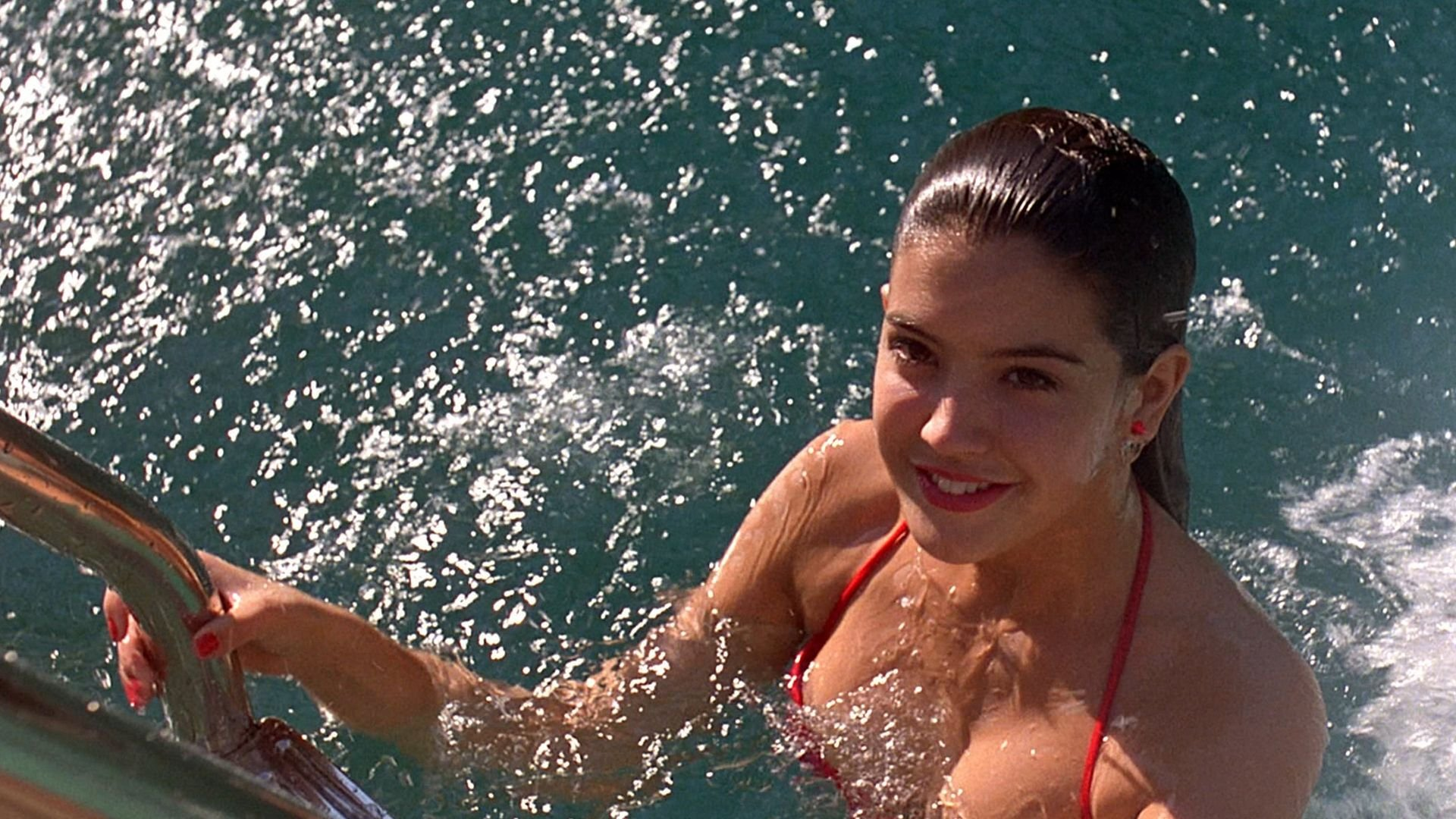 Phoebe Cates: Why The Fast Times Star Retired At 31 And What She's Doing Now