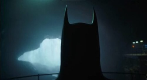 First Look At Michael Keaton Back As Batman In The Flash