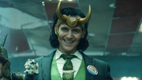 Loki Review: Tom Hiddleston Leads A Promising Premiere