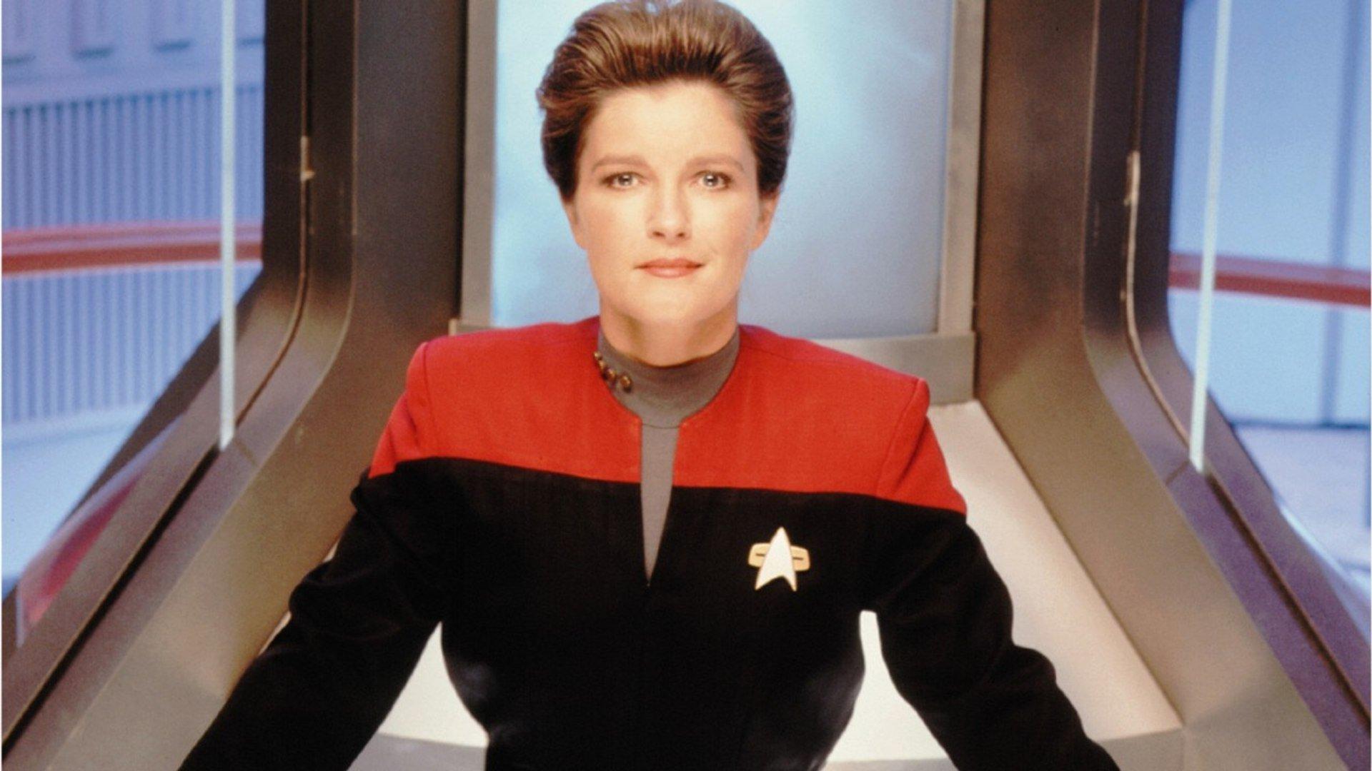 Kate Mulgrew Returns As Janeway For A New Star Trek Show