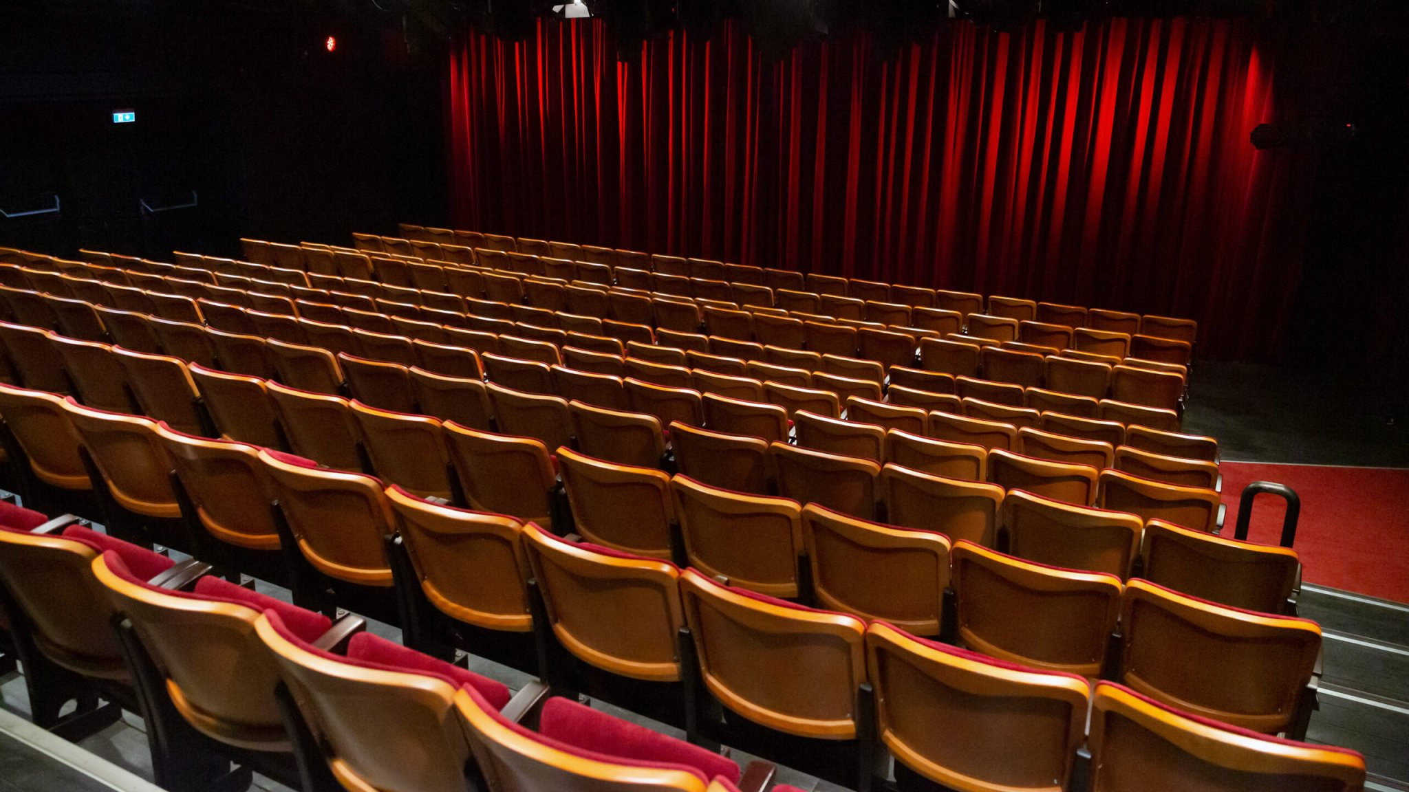 America's Biggest Movie Theater Chain Will Be Out Of Money By Year End