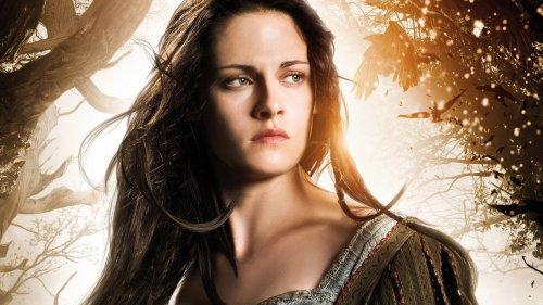 Exclusive: Kristen Stewart To Return As Snow White