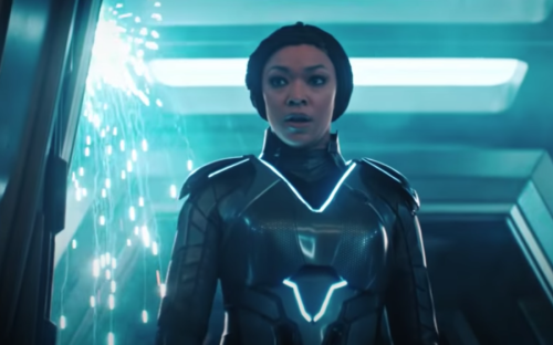See Star Trek: Discovery's New Uniforms, Some Of Them Look Like Tron