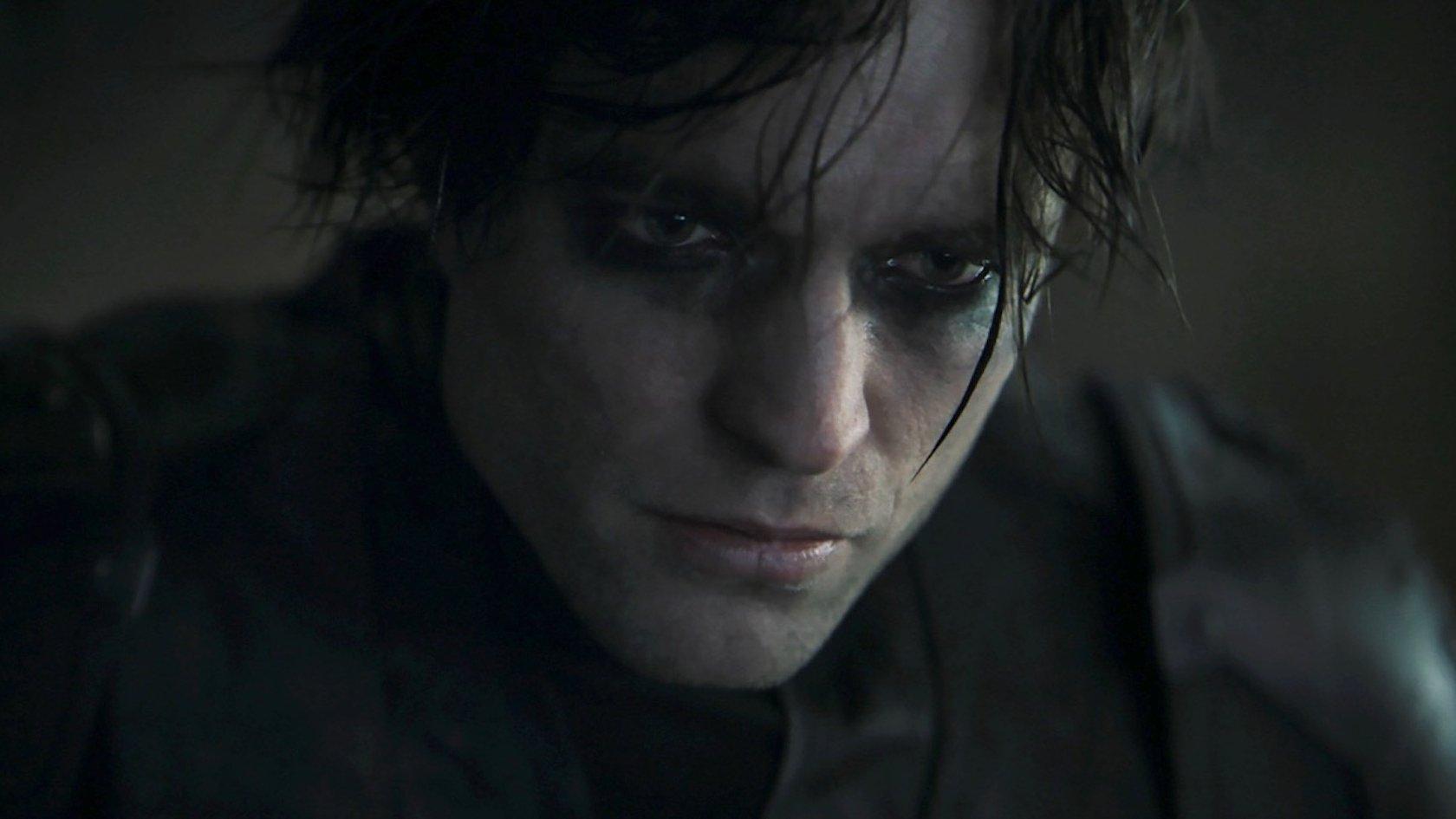 Robert Pattinson Has Gotten Too Fat To Play Batman?