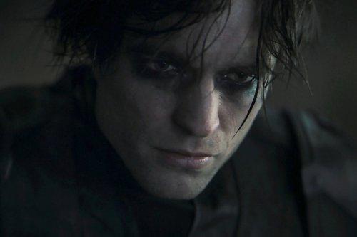 Robert Pattinson's Batman Doing Something Different Than Christian Bale's Dark Knight?