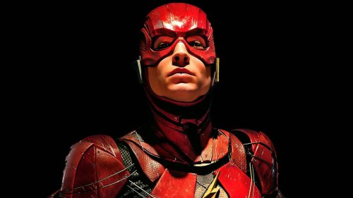 First Look At Ezra Miller's New Flash Costume Revealed