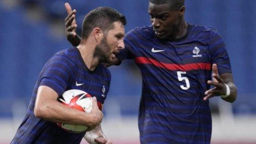 Frankreichs Fußballer feiern ersten Sieg in Japan