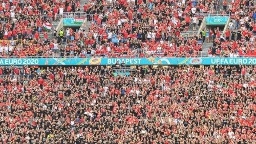 """Kritik an voller Arena in Budapest - """"Schlechtes Signal"""""""
