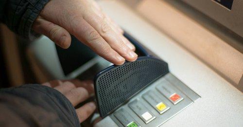 Karten-PIN am Geldautomaten nicht mehr sicher: Darauf müssen Kunden achten