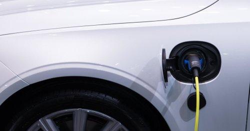 Mehr Reichweite für E-Autos: So wird der Akku unterwegs gefüllt