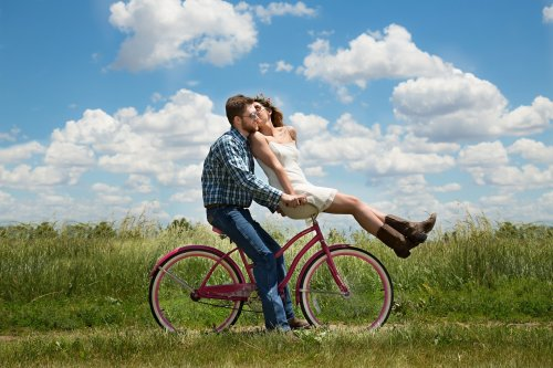 What is the Secret of Happy Couples? - Gildshire