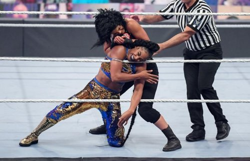 WWE: Bayley & Bianca Belair spark Twitter beef ahead of Hell in a Cell 2021