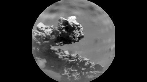 Curiosity Rover Sees a Weird Martian Rock Formation