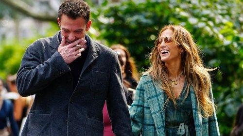 Jennifer Lopez's Fall Wardrobe Is a Rom-Com Character's Dream