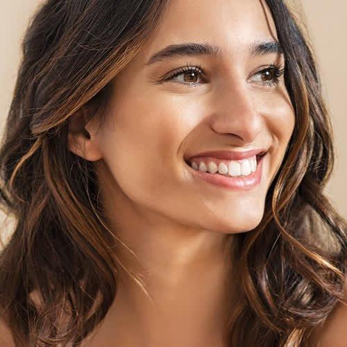 Dieses Haaröl für feines Haar verleiht Glanz OHNE die Frisur fettig aussehen zu lassen