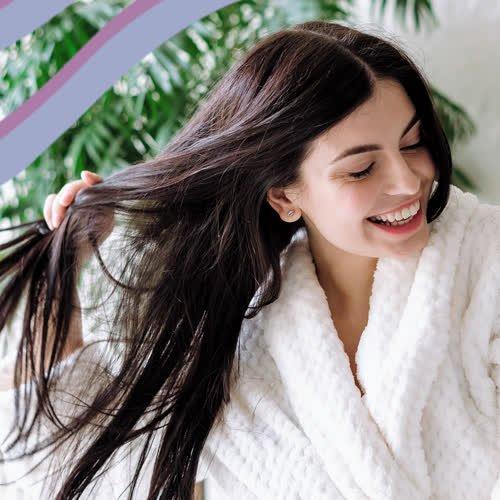 In vs. out: Diese 3 Haarpflege-Trends sind im Herbst out – so bekommst du jetzt glänzendes Haar