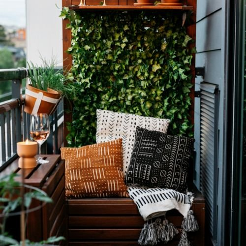 Kleinen Balkon gestalten: Mit diesen 8 Tipps klappt's!