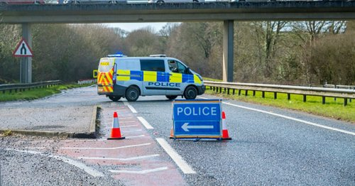 Serious crash on M8 sees motorway shut down as drivers told to avoid area