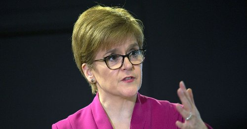 Nicola Sturgeon takes covid test as she urges Glasgow southsiders to do same