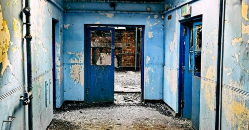 Urban explorer shares eerie images inside abandoned Glasgow swimming pool