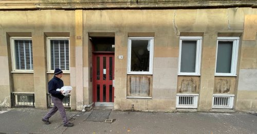 Bars on Glasgow west end flat windows spark fire safety fears