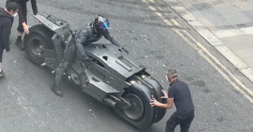 Video of The Flash filming in Glasgow shows Batman's amazing Batcycle up-close