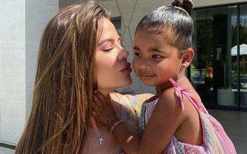 Khloé Kardashian decide contratar barriga de aluguel para ter segundo filho