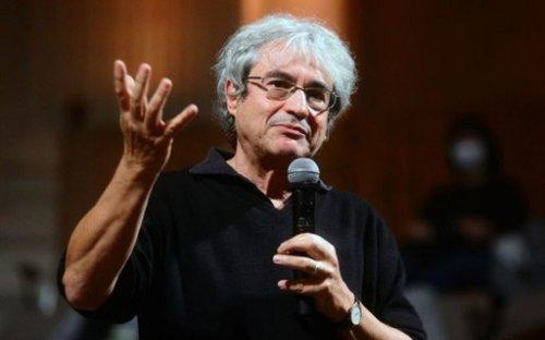 'O tempo não existe', diz físico italiano Carlo Rovelli, considerado 'novo Stephen Hawking'