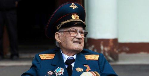 """I was reborn aged 102,"" – Russian WW2 veteran beats COVID-19 after week in ICU"