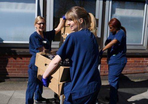 London volunteers feed nurses for free as virus deaths surge | GLOBAL HEROES MAGAZINE