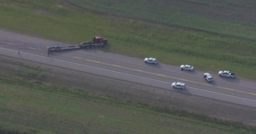 Driver injured, Highway 28 closed near Gibbons, Alta., after crash - Edmonton | Globalnews.ca